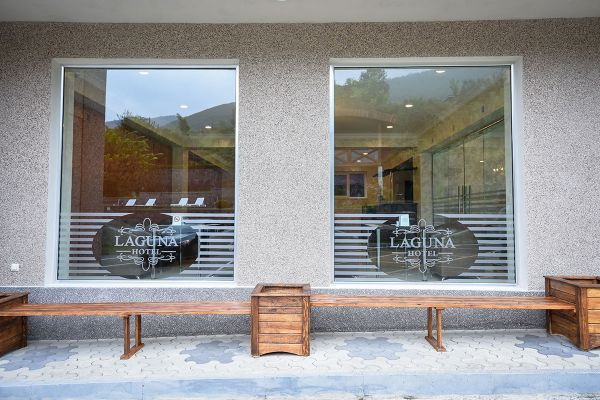 hotel-laguna-0044D622E25-1ACD-8246-10D5-E376700AC84C.jpg