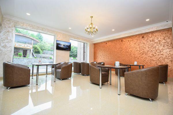 hotel-laguna-0099E045763-64DB-5277-0FAA-B4021986DF7E.jpg