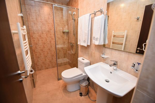 hotel-laguna-012C65B8687-5613-A5F5-2A4A-8C71A9DE0AE2.jpg