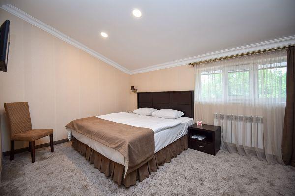 hotel-laguna-015624AD411-B717-61F7-133F-DB52CFF032B8.jpg