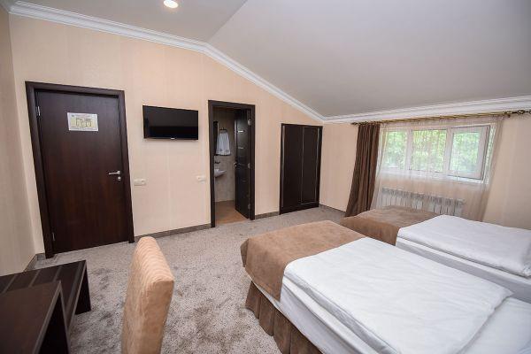 hotel-laguna-017BDBB783B-F320-F86E-4308-556CCA5E9C67.jpg